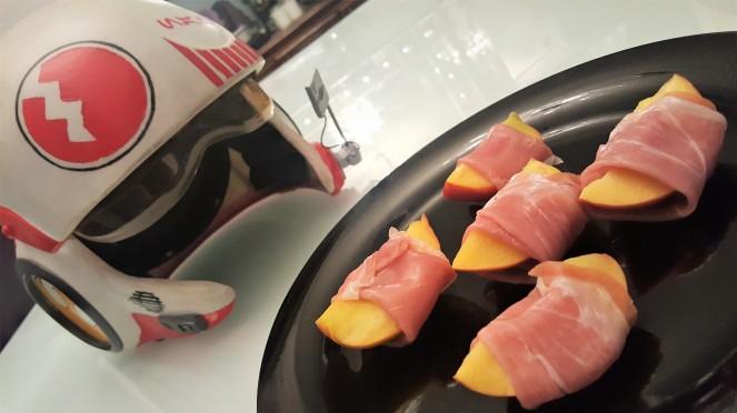 peaches n pros.jpg